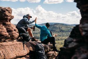 Outdoor- und Reise-Influencer erkunden für JACK WOLFSKIN WOLFTRAIL-Routen