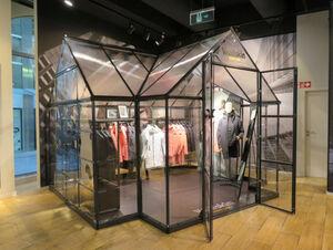 JACK WOLFSKIN Flagship Store in Stuttgart präsentiert WOLFSKIN TECH LAB Kollektion in neuem Licht