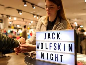 Jack Wolfskin Night: Jack Wolfskin inszeniert Marke und Stores mit attraktiven Kundenevents